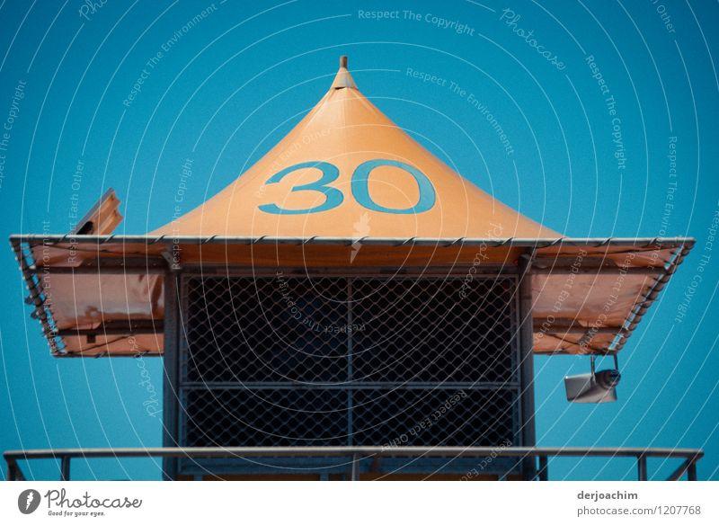 Nr. 30 Sommer Meer gelb Metall Zufriedenheit Design Ausflug fantastisch beobachten Schönes Wetter Turm Schutz Kunststoff entdecken Vertrauen Wolkenloser Himmel