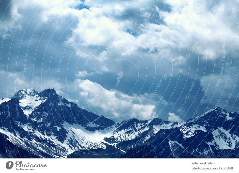 Stolz Natur blau Pflanze Winter kalt Berge u. Gebirge Umwelt außergewöhnlich Felsen Wetter Wind ästhetisch Klima beobachten bedrohlich Gipfel