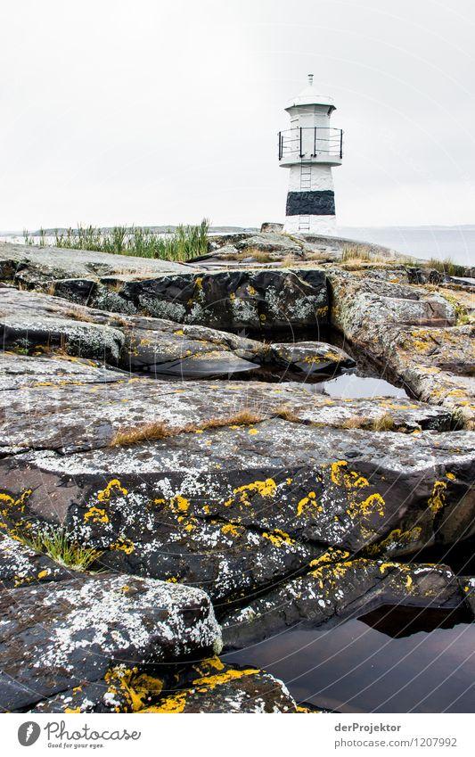 Leuchtfeuer auf Käringön Natur Ferien & Urlaub & Reisen Pflanze Sommer Meer Landschaft Tier Umwelt Küste Lampe Felsen Tourismus Wellen Insel Ausflug Abenteuer