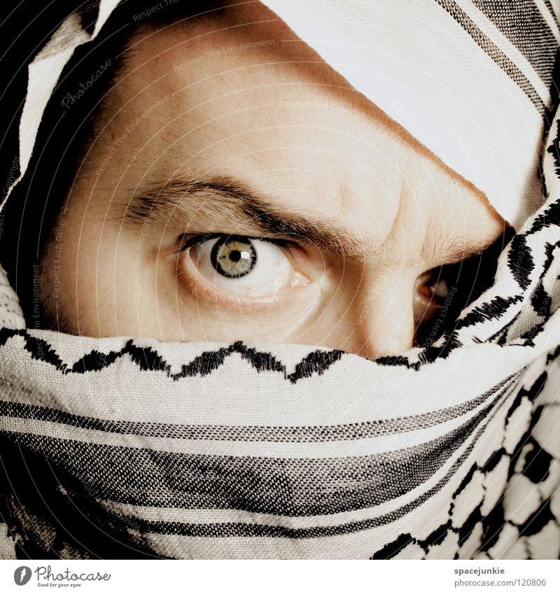 Undercover Mann Porträt verdeckt Stoff Tarnung Freude Auge vermummen Tuch Palituch verstecken Maske unsichtbar Blick