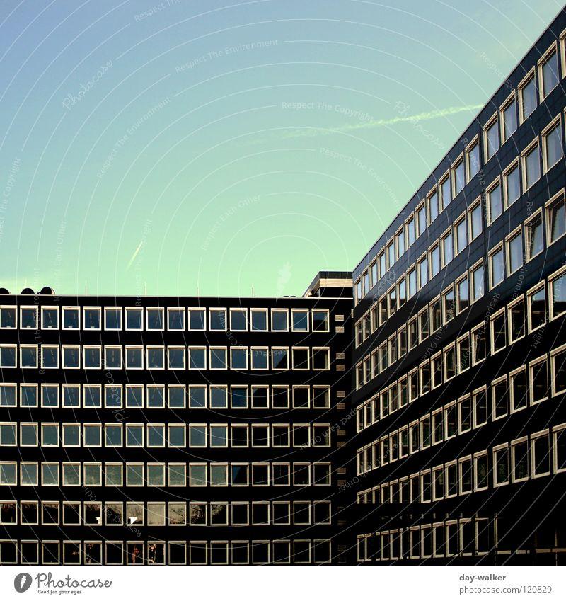 Diagonales Fensterln Himmel Natur Wolken Haus Gebäude Linie Arbeit & Erwerbstätigkeit modern Niveau diagonal Etage Rahmen Unternehmen Sitzgelegenheit