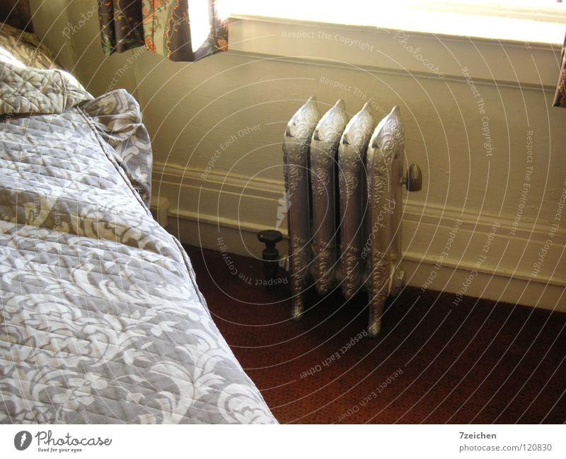 Heizkörper in Motel in San Francisco Metall Bett Häusliches Leben Hotel Gußeisen Hotelzimmer