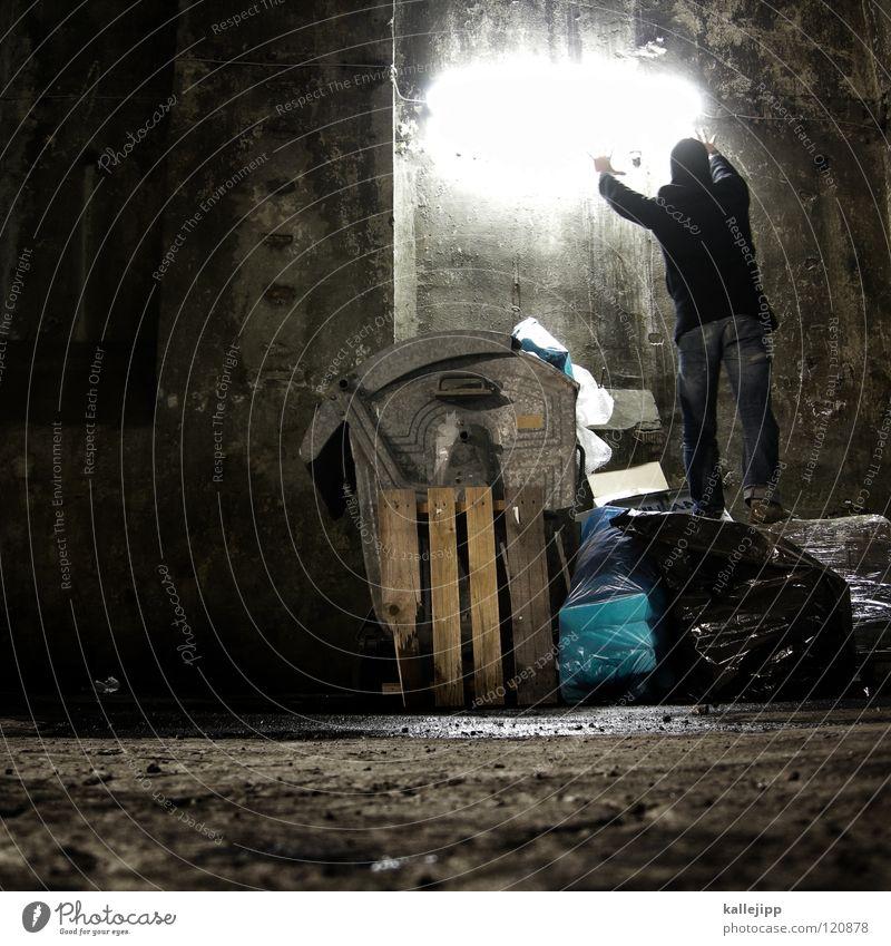 dunkle geschichten Mensch Mann Stadt Sonne Hand Haus Fenster Berge u. Gebirge Gefühle See Lampe Linie Fassade springen Luft Freizeit & Hobby