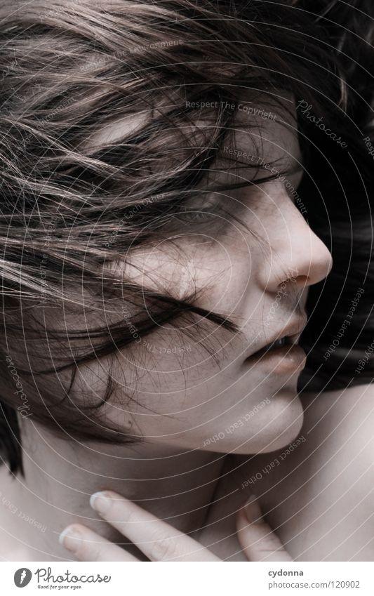 Come Closer Frau Mensch Natur schön schwarz ruhig feminin Leben Gefühle Kopf Bewegung Haare & Frisuren Stil Traurigkeit träumen Kunst