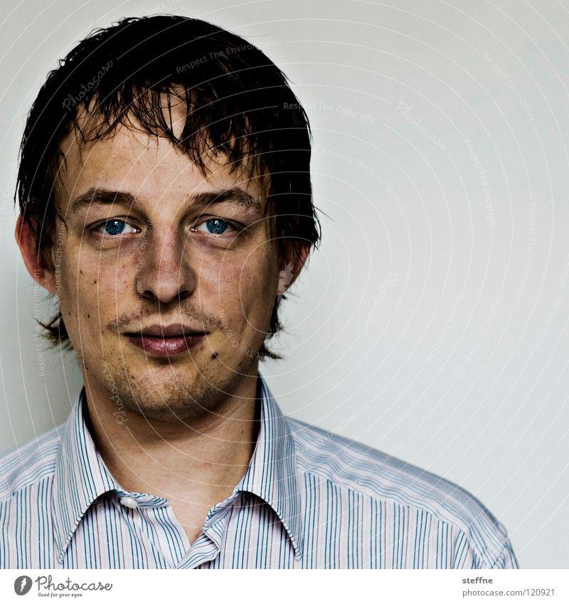 Passfoto Mann blau schön ruhig Gesicht Auge Kopf Haare & Frisuren lachen Lampe Kraft Nase Sicherheit Lippen Student Vertrauen