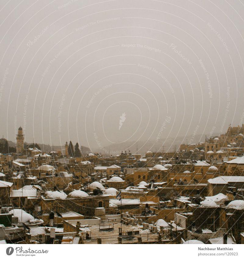 snow in jerusalem Jerusalem Stadt Israel Haus Arabien Ölberg Winter weiß Schnee Altstadt Wetter Ost-Jerusalem Dach Außenaufnahme