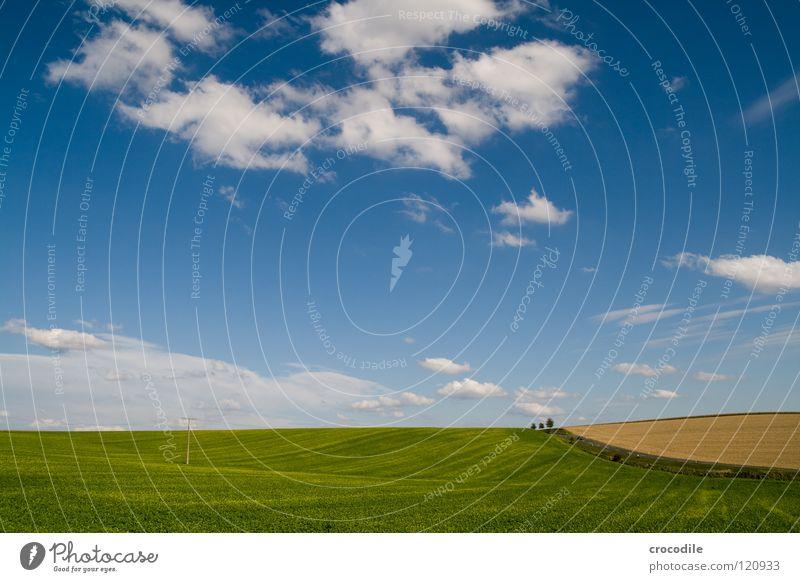 blue sky.... schön Himmel weiß Baum blau Wolken Straße Herbst Wege & Pfade Landschaft Feld groß fahren Hügel Landwirtschaft Bayern