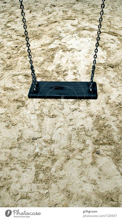 hangin' around Einsamkeit Erholung Spielen Sand Kindheit Freizeit & Hobby leer hängen Schaukel Spielplatz kinderlos Kinderarm