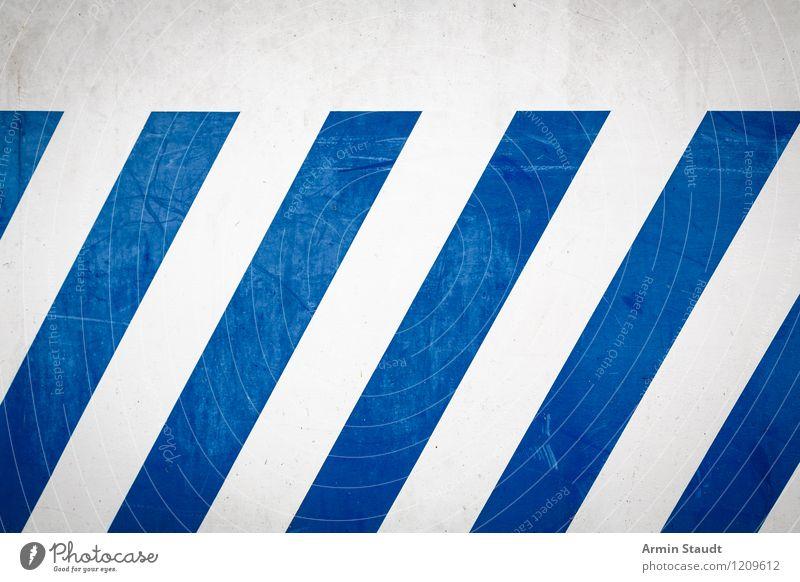 Hintergrund Stil Design Mauer Wand Fassade Streifen authentisch dreckig einfach trashig trist Stadt Idee Hintergrundbild blau weiß Muster Farbfoto Außenaufnahme