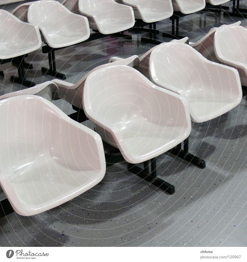 Schalen weiß warten Studium modern Ordnung Stuhl Hörsaal Flughafen Statue Möbel Reihe Publikum Bahnhof Schalen & Schüsseln einzeln bequem