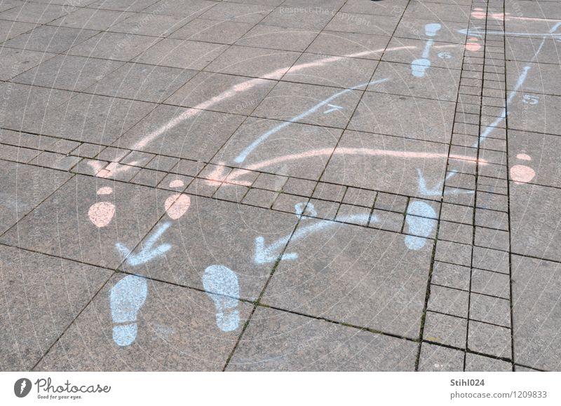 Walzer - Schrittfolge Stil Freude sportlich harmonisch Tanzen Tänzer Platz Stein Zeichen Schilder & Markierungen Fußspur Linie Pfeil berühren Bewegung Erholung