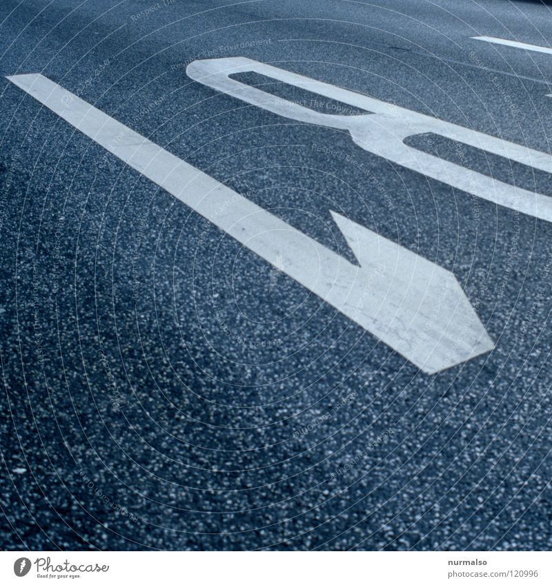 B1 weiß Ferne Spielen Berlin Wohnung gehen dreckig Schilder & Markierungen Verkehr Hinweisschild fahren Klarheit Güterverkehr & Logistik Asphalt einfach