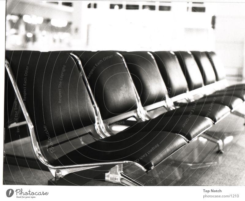 Sitzgruppe Architektur Sitzgelegenheit sitzen Schwarzweißfoto sitzgruppe Perspektive