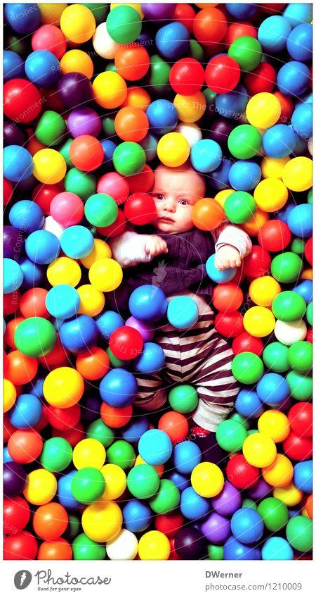 BUNT Mensch Kind Farbe Freude Stil Spielen Schwimmen & Baden außergewöhnlich liegen Freizeit & Hobby Design Dekoration & Verzierung Körper Geburtstag Baby