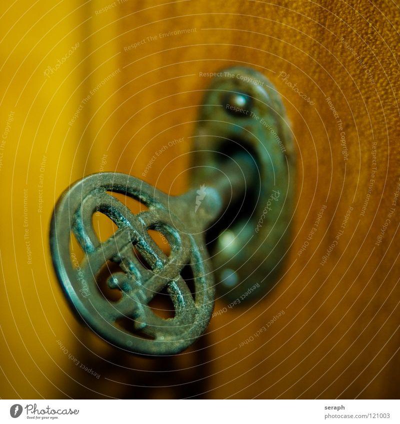 Schlüssel alt Kunst Metall Häusliches Leben Dinge einzeln geschlossen Sicherheit Symbole & Metaphern geheimnisvoll Rost Schloss antik Ornament rustikal