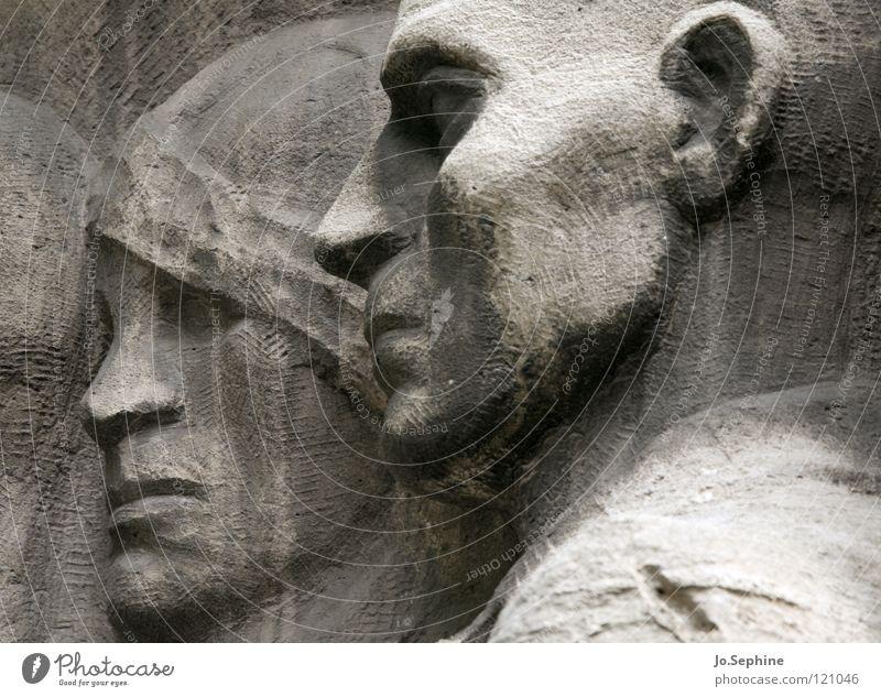 MenschenGedenken Mensch Gesicht Kopf Stein Deutschland Trauer Vergangenheit Denkmal Wahrzeichen Verzweiflung Erinnerung Berlin erinnern Gedächtnis resignieren Relief