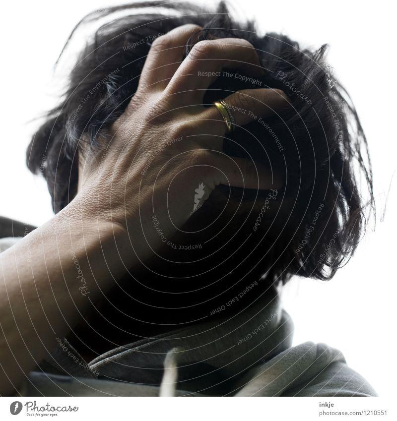 nicht mein Tag Mensch Frau Hand Erwachsene Leben Traurigkeit Gefühle Haare & Frisuren Lifestyle Kopf Trauer Ring Stress Konflikt & Streit Verzweiflung Partner