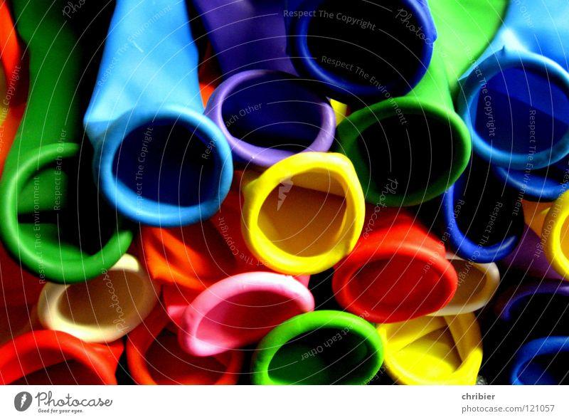 Mammmiiiee! Aufpustennnn! mehrfarbig Freude Freizeit & Hobby Party Feste & Feiern Geburtstag Luft Luftballon blau gelb grün rosa rot Farbe blasen