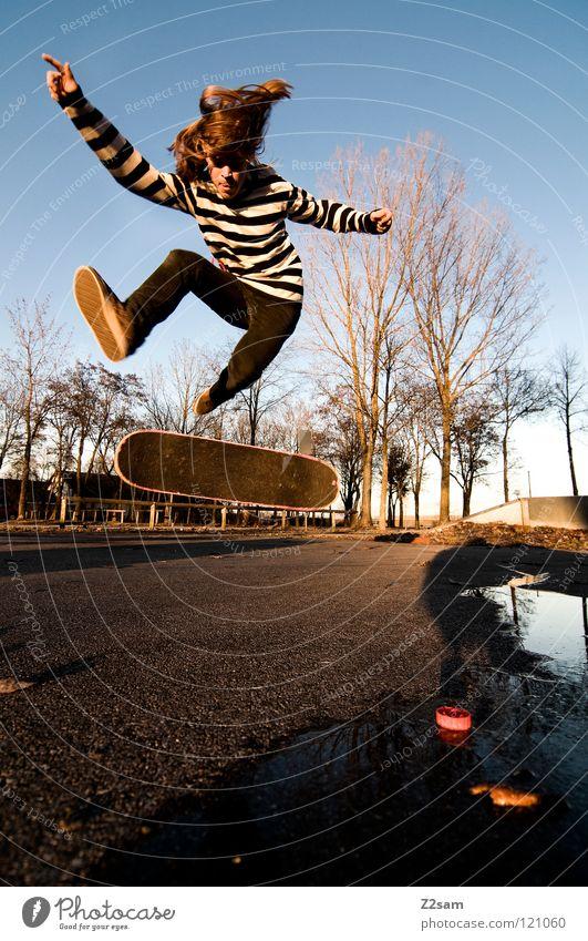 360 Flip II Mensch Jugendliche Baum Sonne Farbe Sport springen Bewegung Park Beine Zufriedenheit Stimmung Beleuchtung fliegen Beton Geschwindigkeit
