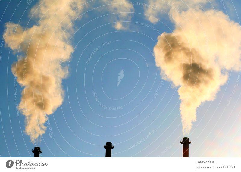 Global Warming Himmel Sonne blau Wolken gelb Ferne dunkel hell braun orange dreckig Industrie Luftverkehr Turm Rauch Schornstein
