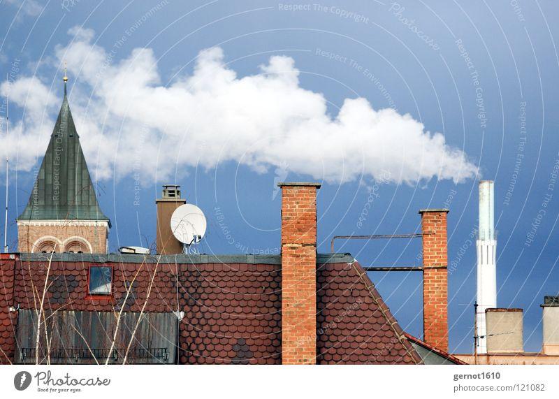 Entsorgung IV Himmel blau weiß rot dunkel Wärme Energiewirtschaft Luft dreckig Industrie Dach Sauberkeit Rauch Schornstein brennen Wasserdampf