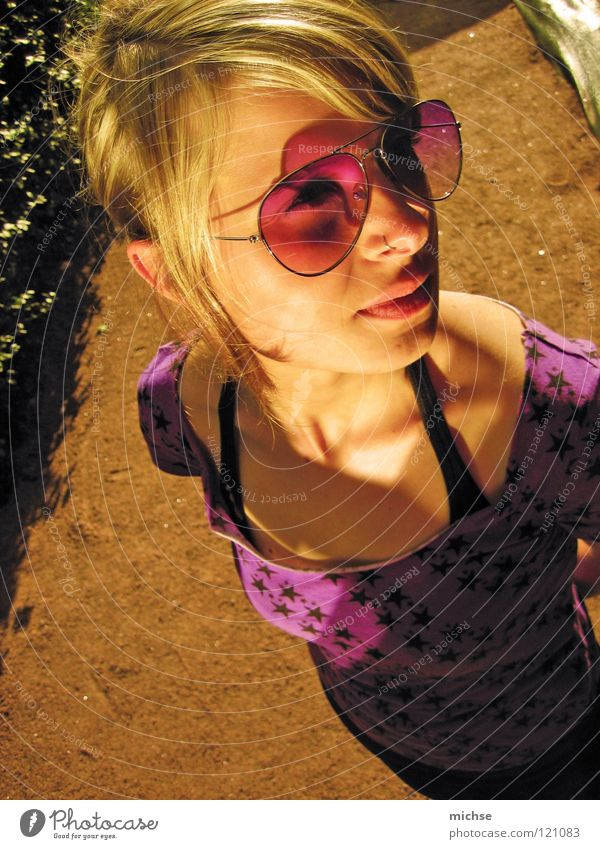 Maiki Frau schön feminin Denken hell Stern (Symbol) Brille violett erleuchten Licht & Schatten