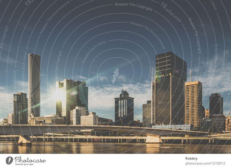Brisbane Küste Flussufer Australien Queensland Stadt Stadtzentrum Haus Hochhaus Brücke Architektur ästhetisch Fortschritt Gesellschaft (Soziologie) modern Ferne