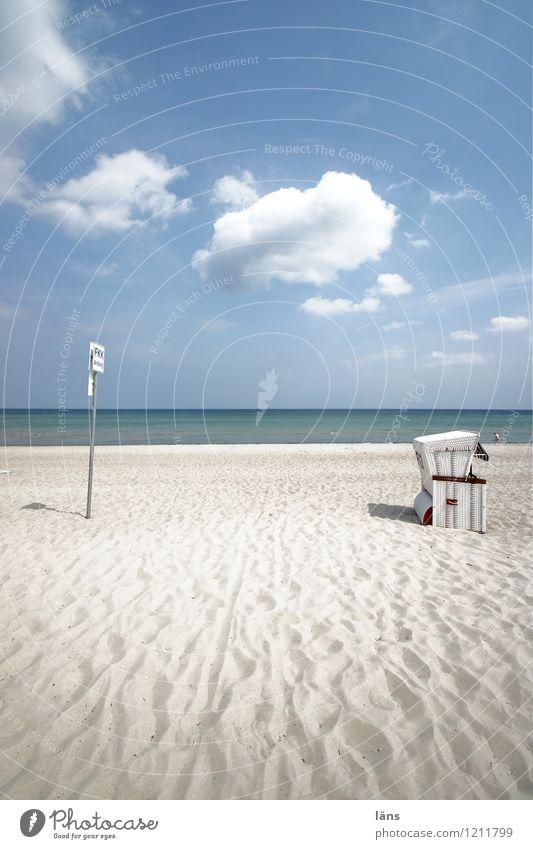 mehr braucht es nicht... Natur Ferien & Urlaub & Reisen Sommer Wasser Sonne Erholung Meer Ferne Strand Umwelt Küste Freiheit Sand Horizont Zufriedenheit Luft