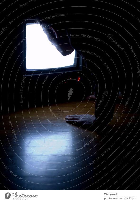Kammerflimmern I Ferne glänzend Perspektive Zukunft Fernsehen Bild Medien Neugier Konzentration Wahrsagerei