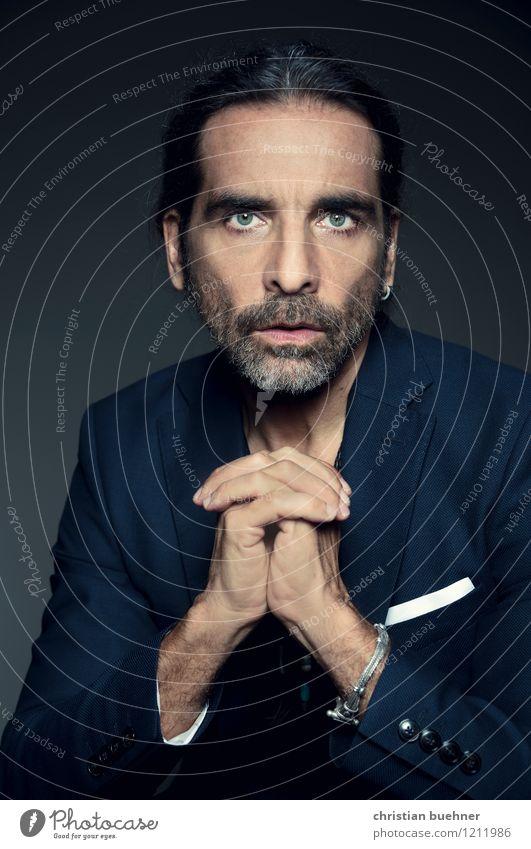 It's me Mann Erwachsene 1 Mensch 45-60 Jahre brünett Zopf Blick ästhetisch elegant Erotik Erfolg Kraft Vertrauen schön authentisch Duft einzigartig Inspiration