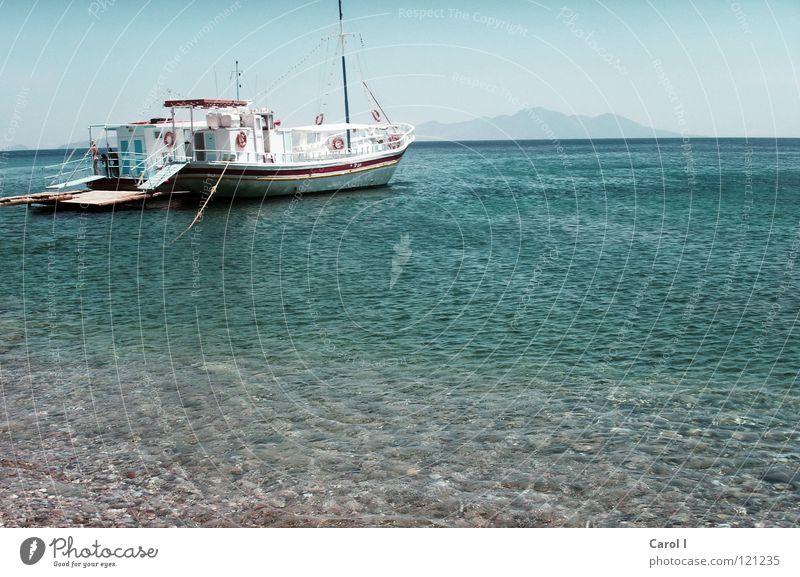 Rundreise Wasser Meer blau Sommer Strand Ferien & Urlaub & Reisen ruhig Einsamkeit Erholung Holz Stein Wasserfahrzeug warten nass groß Horizont