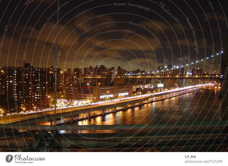 New York Skyline Wasser Himmel Haus Wolken Straße dunkel Gefühle Freiheit hell Brücke Amerika eng bleich New York City
