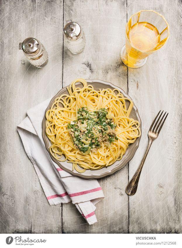 Spaghetti mit Spinat und Hackfleisch Lebensmittel Fleisch Gemüse Ernährung Mittagessen Abendessen Festessen Bioprodukte Diät Italienische Küche Getränk Saft