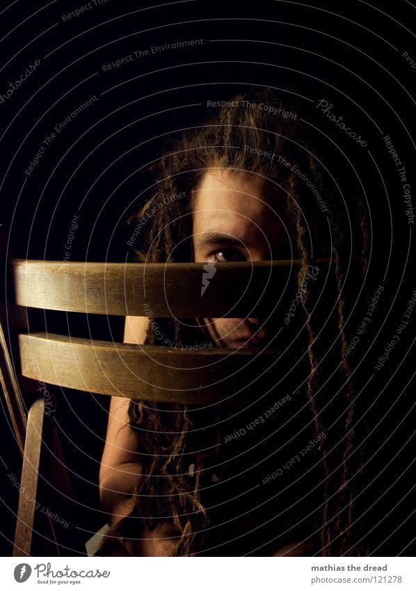 --> ZURÜCKGEZOGEN <-- Mensch Mann Gesicht schwarz dunkel Gefühle Spielen Holz Haare & Frisuren Kopf Denken Mund hell Angst lustig Haut