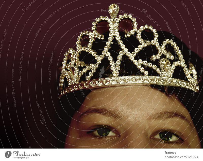 queen glänzend Augenbraue König Frau schön Reichtum schönheitskönigin Baumkrone Mensch crown crest Prinzessin gekrönt krönen Blick Neigung