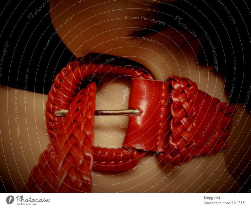 Die mit dem roten Halsband Vol. 2 Gürtel Frau red neck Schnur bondage :) Erotik woman Haut skin anni k.