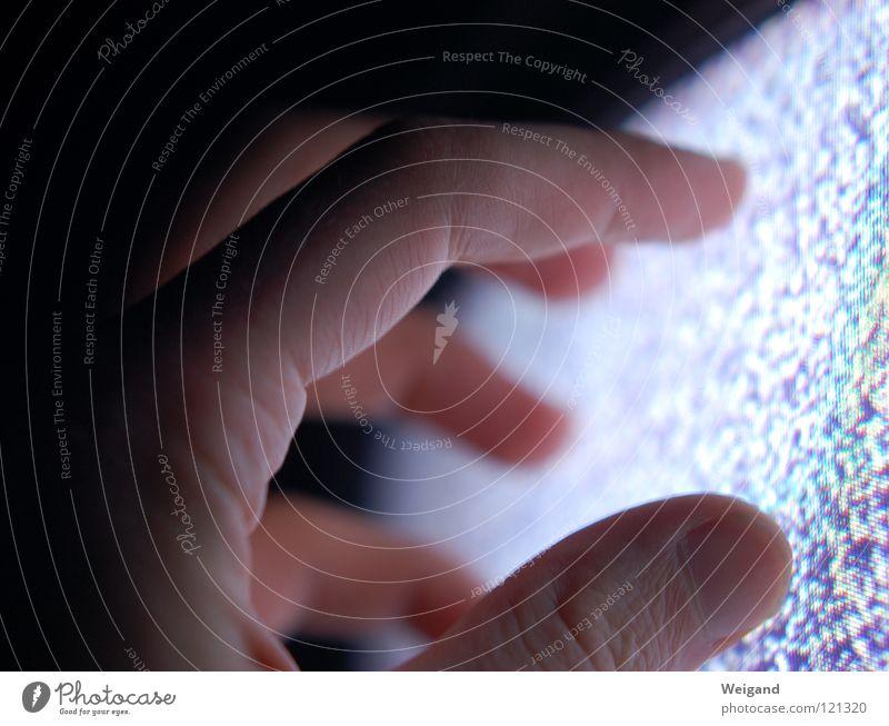 get in touch Hand glänzend Suche Finger Fernseher Kontakt Medien Sinnesorgane fremd unheimlich Rauschen aufregend