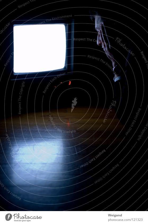 Kammerflimmern IV Ferne glänzend Perspektive Zukunft Fernsehen Bild Medien Neugier Konzentration Wahrsagerei