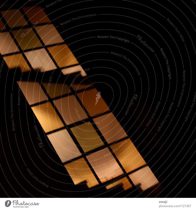 Vierecke Rechteck eckig Ecke Treppenhaus gelb dunkel schwarz Licht Beleuchtung Nacht Silhouette obskur graphisch Geometrie modern orange light lights shine