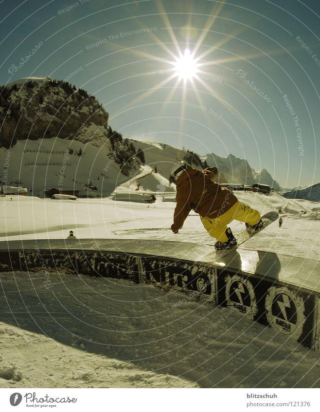 C Box Sonne Winter Leben Sport Spielen Berge u. Gebirge Park Wetter Aktion Lautsprecher Wintersport Freestyle Sonntag Funsport Snowboarding Sliden