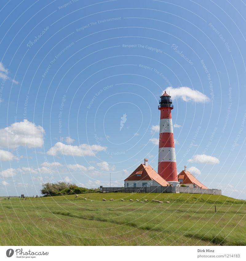 Westerhever Leuchtturm II weiß rot Wolken Wege & Pfade Küste Horizont Tourismus leuchten historisch Fernweh Wahrzeichen Denkmal Nordsee Richtung Schifffahrt