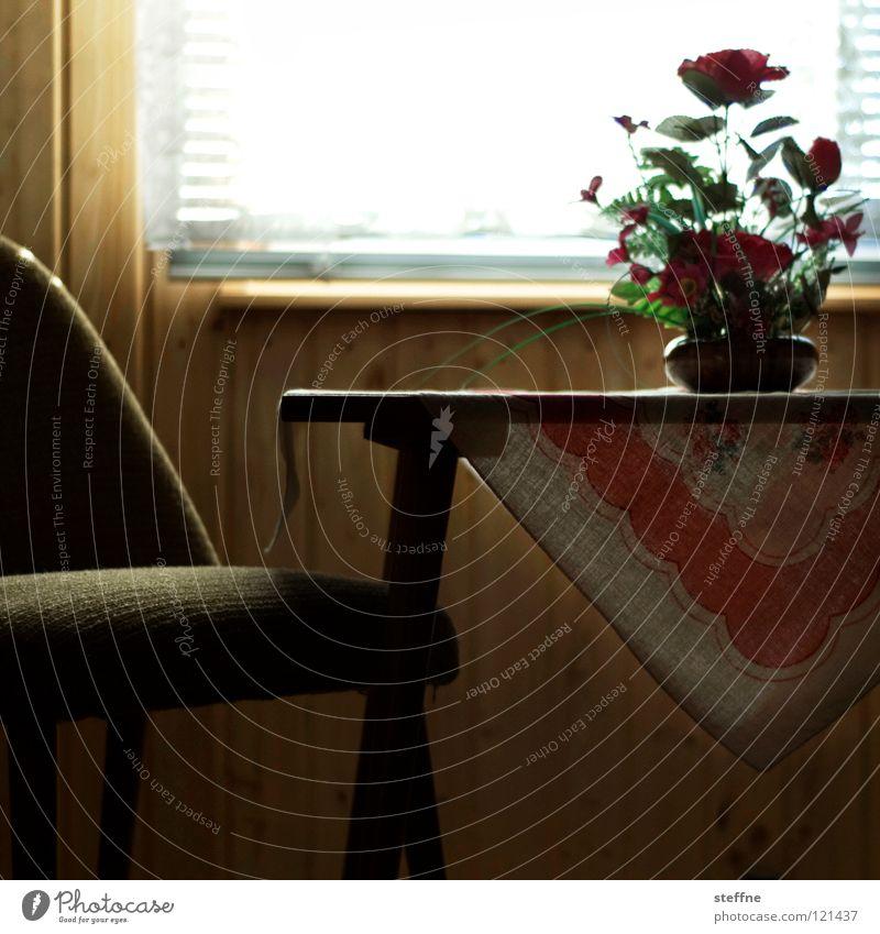 Die gute alte Zeit Blume Fenster Raum Wohnung Innenarchitektur modern Tisch authentisch Häusliches Leben retro Stuhl Möbel gemütlich Wohlgefühl Nostalgie Sechziger Jahre