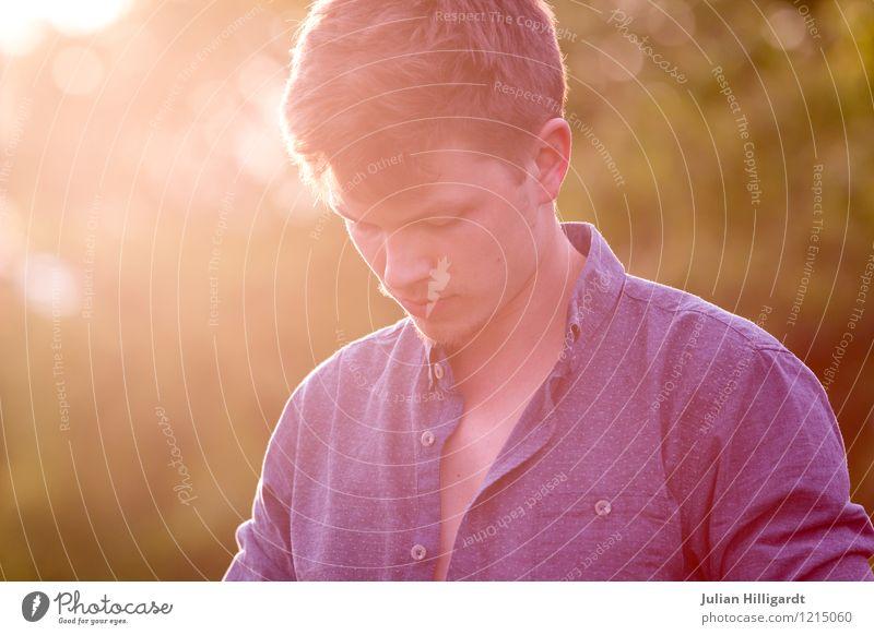 sunnyboy Lifestyle Stil schön Wohlgefühl Zufriedenheit ruhig maskulin Junger Mann Jugendliche Leben 1 Mensch 18-30 Jahre Erwachsene Umwelt Natur Sonnenlicht