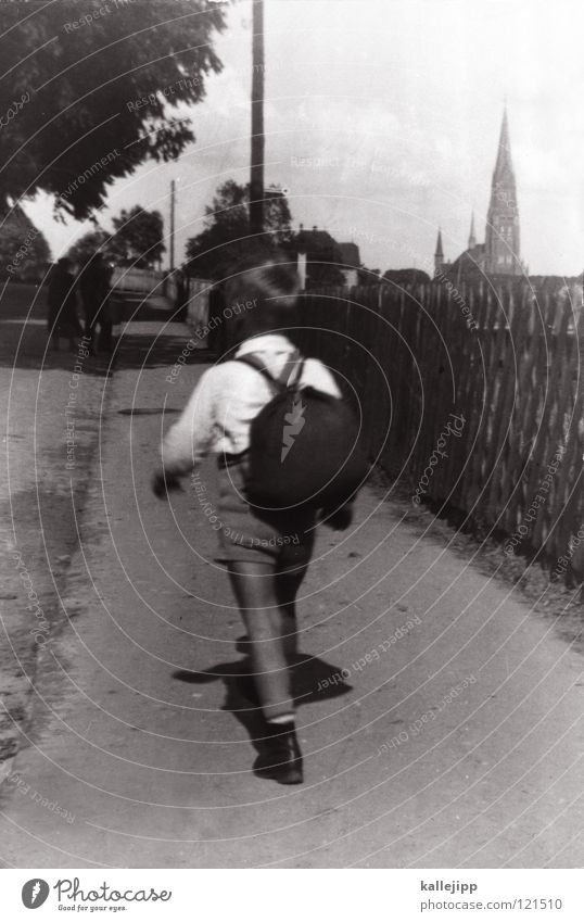 es war einmal... Mensch Kind alt Sommer Leben Wege & Pfade Junge Beine klein Schule gehen wandern laufen Ausflug retro Fotografie