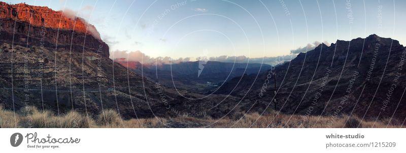Canyoning Himmel Natur Pflanze rot Landschaft Umwelt Berge u. Gebirge außergewöhnlich Stein Felsen Erde authentisch Sträucher ästhetisch Urelemente Gipfel