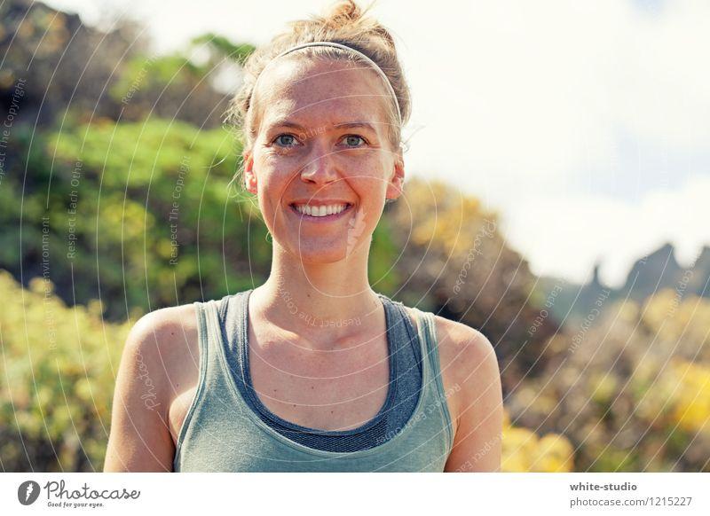 Am liebsten draußen! Mensch feminin Junge Frau Jugendliche Gesicht 1 18-30 Jahre Erwachsene Sport sportlich schön stark Glück Leichtigkeit Außenaufnahme