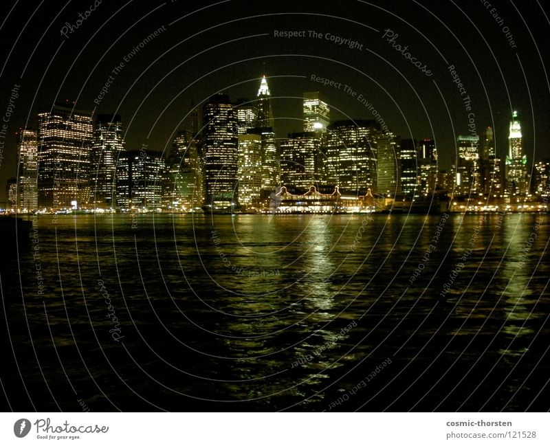 Manhattan bei Nacht #1 Wasser Hochhaus Fluss Stadt Skyline New York City Brooklyn East River