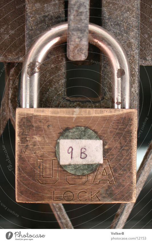 Sicherheit geschlossen Dinge Burg oder Schloss Tor Messing