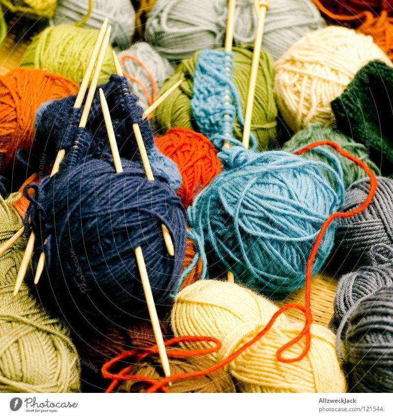 bald schon bin ich ein Topflappen Wolle Knäuel stricken Stricknadel Seil Wollknäuel Rolle mehrfarbig grün rot Handwerk Freizeit & Hobby Nähen authentisch