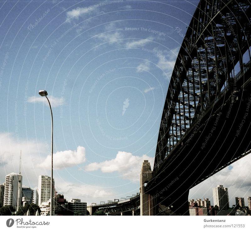 Big city light Lampe Straßenbeleuchtung Australien Harbour Bridge Wolken Sydney Brücke Hafen Skyline sidney Himmel